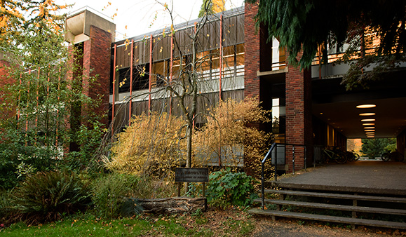 Reed College | Facilities Services | A A  Knowlton Laboratory of Physics