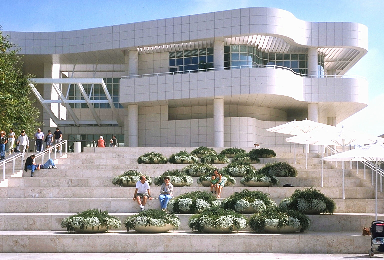 a report on the experience in getty center museum Thank you for your interest in employment opportunities at the j paul getty trust whether working in one of the four getty programs - museum  getty career center.