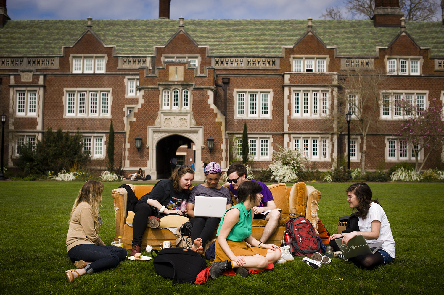 reed college admissions essay Comprehensive information on admission at reed college, including admission requirements and deadlines, early and regular admission rates, gpas and test scores of recently admitted freshmen, and more.