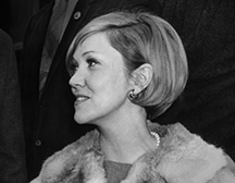 Photo of Prof. Gail Kelly '55