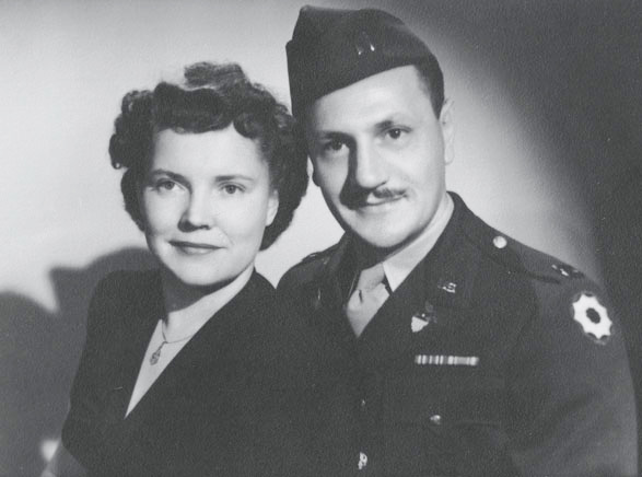 A picture of Oma Woodcock Singer and William Singer